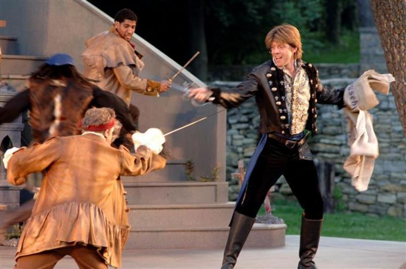 tybalt and mercutio relationship problems