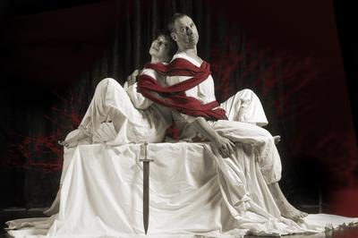 an analysis of shakespeares tragedy in antony and cleopatra Shakespeare's plot structure of antony and cleopatra: an analysis with  historical perspective the  the play is structured like a classical tragedy.